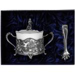 Чайники, кофейники, молочники, серебряные сахарницы, щипцы для сахара и ситечки для чая
